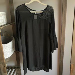 Black Torrid Chiffon Mesh Short Sleeve